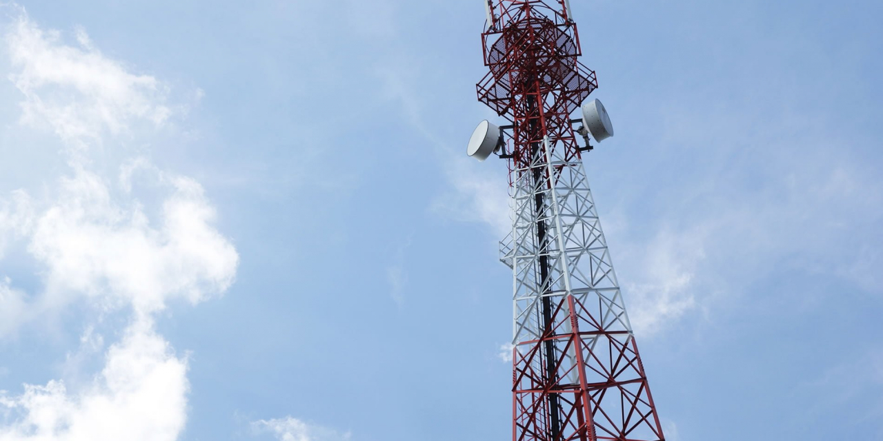 5G and IoT: separating hype from reality