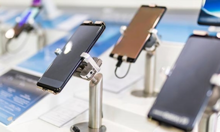 Small business can tap huge business potential: with the tiny smartphone